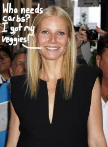 gwyneth-paltrow-sticks-to-her-diet-while-family-eats-pizza-and-pasta__oPt